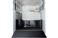 eventa_l_rear_interior_three_stall