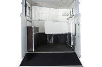 eventa_rear_inside_one_stall